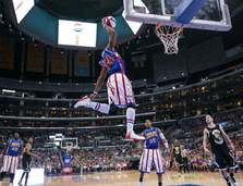 MONGOOSE SLAM DUNKS WITH THE HARLEM GLOBETROTTERS